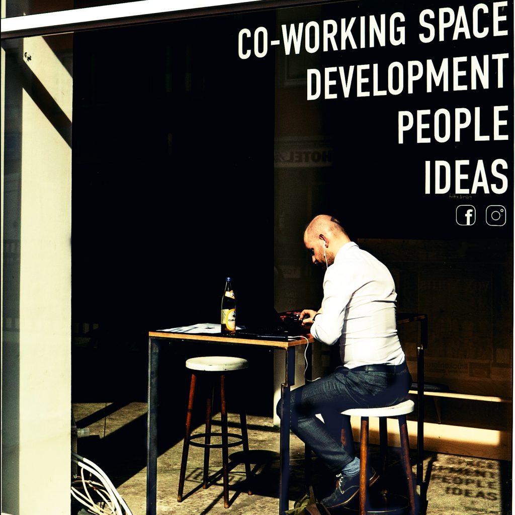 solo entrepreneur reading plan from fractional CMO